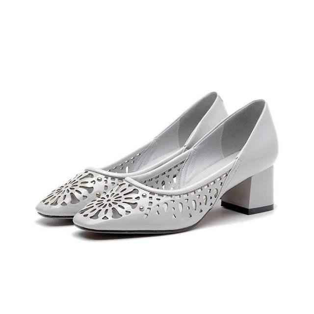 2017 моды натуральная кожа твердые площади toe цветы полые рим стиль высокие каблуки женщины красоты насосы высокого качества сандалии 32