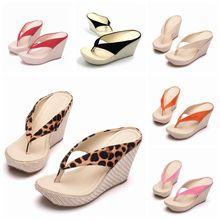 Модные летние стильные женские босоножки со стразами; вьетнамки на высоком каблуке; пляжные босоножки на танкетке; обувь на танкетке с леопардовым принтом