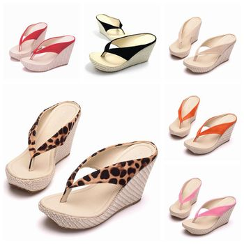 Crystal Queen Fashion Summer Style Women Sandals High Heels Flip Flops Beach Wedge Sandals Leopard Print Platform Wedge shoes
