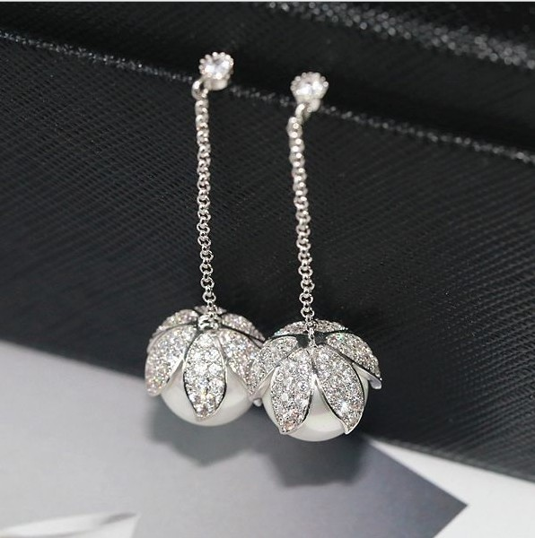 Sale Fashion jewelry 925 Sterling silver Needle name Earrings Female Crystal from Swarovski Woman Christmas giftSale Fashion jewelry 925 Sterling silver Needle name Earrings Female Crystal from Swarovski Woman Christmas gift