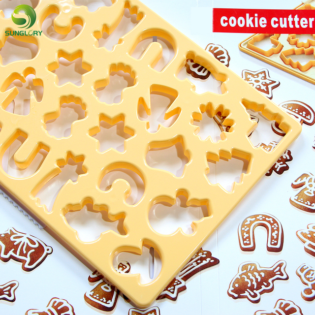 Us 12 62 24 Off Christmas Cookie Cutter Snowflake Biscuit Cookie Mold Cuts Out Up To 28 Pieces At Once Snowman Fondant Chocolate Mold Baking In