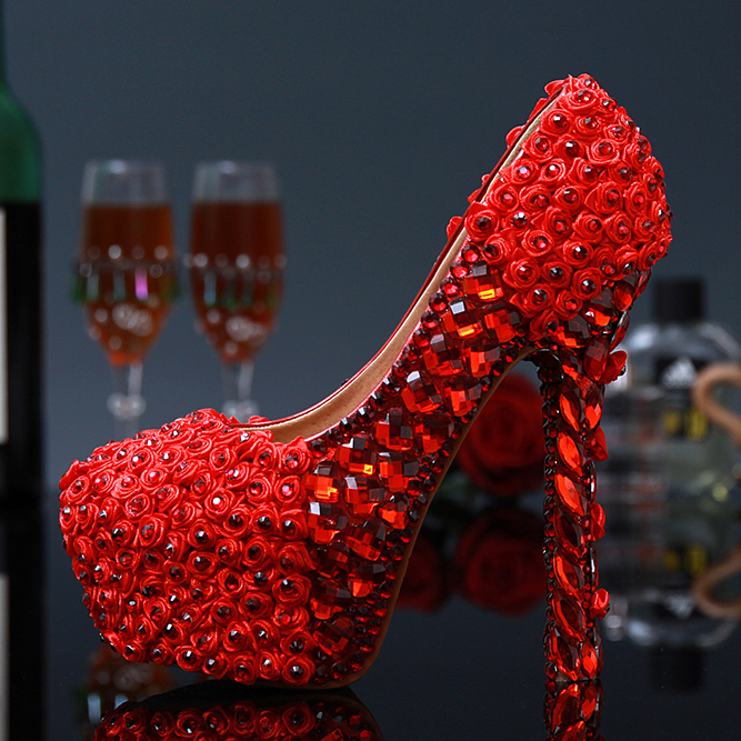 цены  China's wind Brand design Women handmade red pumps 2017 women luxury Rhinestone rose flower platform high heels Wedding shoes