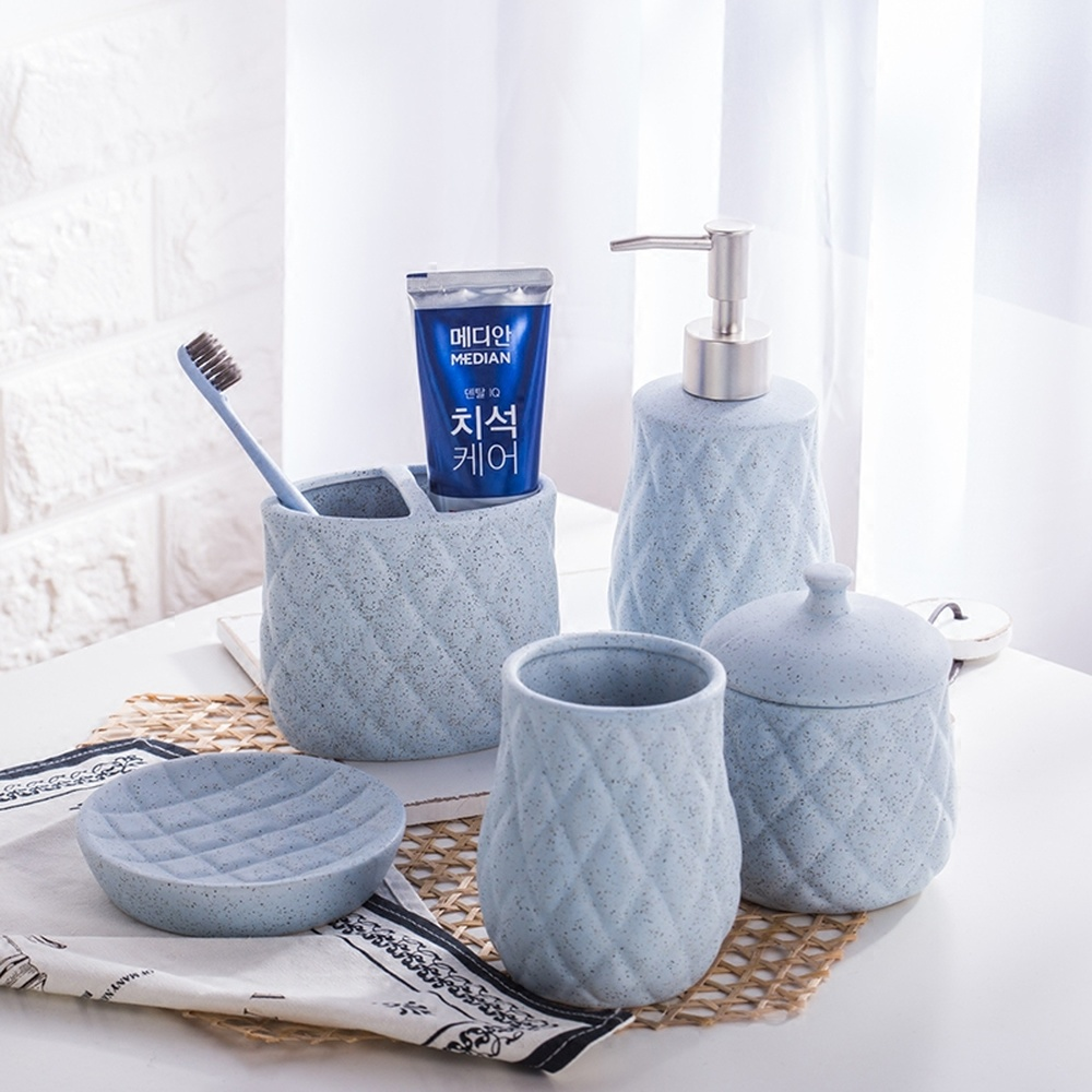 Simple creative European ceramic bathroom five-piece bathroom accessories kit wash cup gift set wash set LO871037 simple creative european ceramic bathroom five piece bathroom accessories kit wash cup gift set wash set lo871037