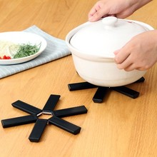 Non-slip pot pad creative heat eat mat Kitchen folded against the hot table The dishes insulation 18.7cm