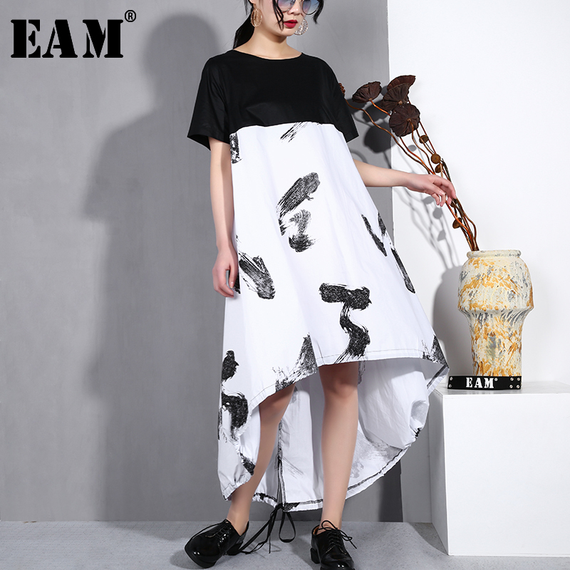 [EAM] 2019 Autumn Summer Fashion New Round Collar Short Sleeve Stitch Print Vent Loose Big Size Hem Women Irregular Dress YC957