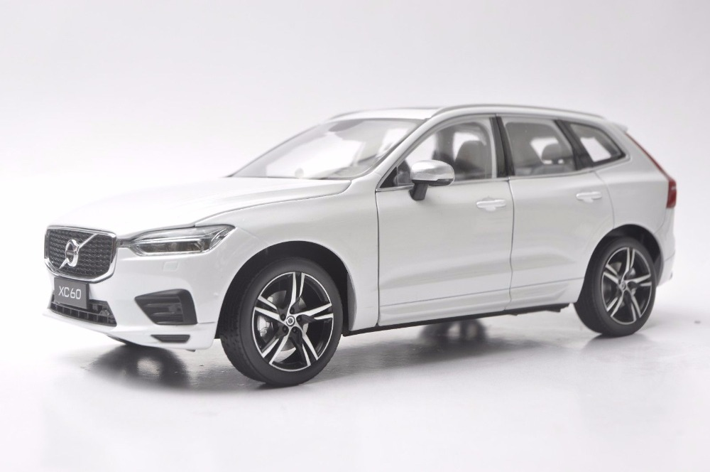 цена на 1:18 Diecast Model for Volvo XC60 XC 2018 White SUV Alloy Toy Car Miniature Collection Gifts XC 60