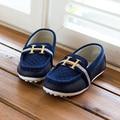 2015 niños de la manera zapatos de los muchachos de la pu zapatos de cuero zapatillas de deporte casuales niños zapatos cómodos resbalón en holgazanes niños zapatos planos