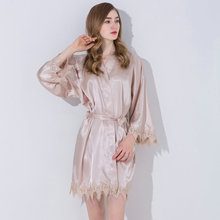 купить 2019 Silk Satin Lace Silk Robe Trim Gown Wedding Bride Robes Bridesmaid Kimono Sleepwear for Bridal Party Clothing Champagne New дешево