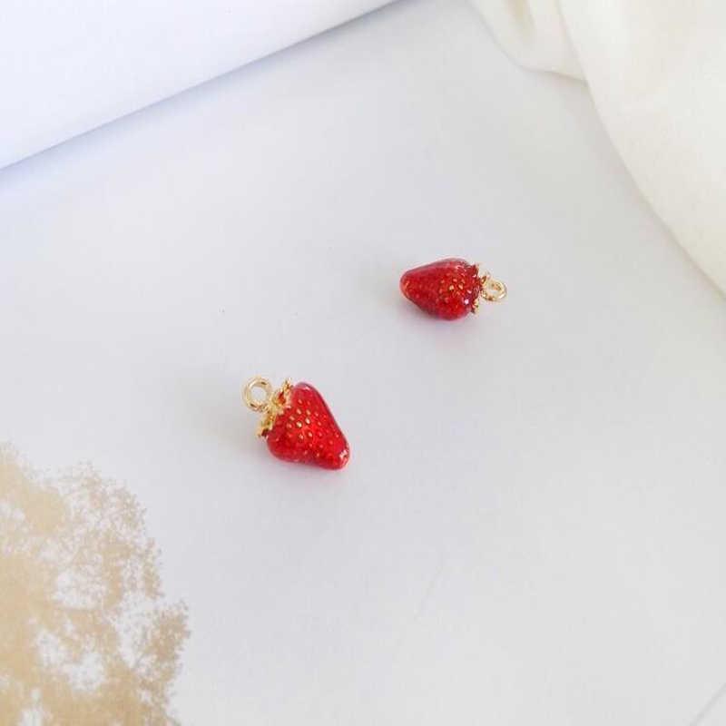 Pendientes de moda gota de aceite de fresa y resina osos encantos para mujer DIY haciendo accesorios hechos a mano esmalte aleación regalo encantador
