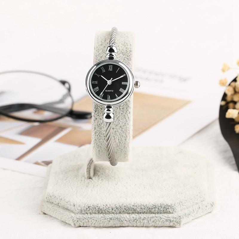 Unique Women Bracelet Watch Little Smooth Dial Top Luxury Silver Slim Strap Korean Retro Art Female Clock Quartz Watch Gift Hour 2018 2019 (8)