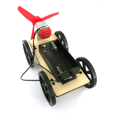 F19145  Wind Car B2 Small Production DIY Science and Technology Model Popular Science Assembled Toys Creative Novelty Gifts