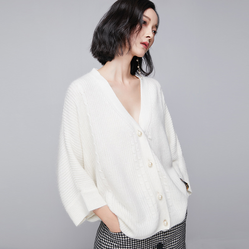 2018 new loose sweater coat womens casual style solid color stick sweater batwing sleeve large size womans cardigan YYFS