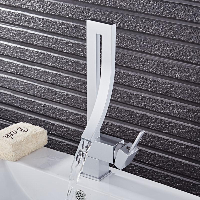 Robinet de lavabo noir/Chrome/Nickel/argent mitigeur de lavabo cascade robinet de salle de bain chaud et froid robinet d'eau d'évier