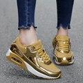 Amantes de Los Zapatos casuales Zapatos de Deporte de Colchón de Aire de Malla Transpirable Cesta Entrenadores de Aumento de la Altura Zapatillas Hombre de Oro