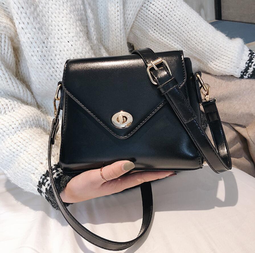European Fashion Retro Ladies Square bag 2018 New High quality PU Leather Women's Designer Handbag Lock Shoulder Messenger Bags 2
