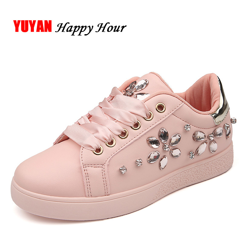2018 Fashion Sneakers Women Flat Heel Rhinestone Casual Shoes Soft Women's Sneakers Ladies Brand Shoes Pink Black White ZH2656