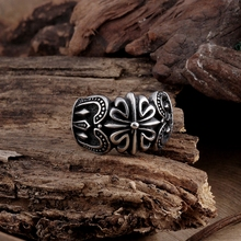 GOMAYA Fashion Personality Stainless Steel Rings Punk Vintage Retro Crown Ring Flower Pattern for Men Party Jewelry