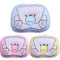 Cama Urso recém-nascidos Do Bebê de Enfermagem Pillow Prevent Cabeça Chata 100% Algodão Animal Bebê Moldar Travesseiro Confortável Padrão de Rosa Azul