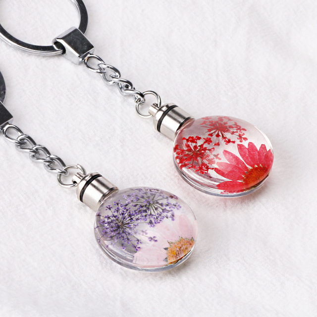 Luyun Small fresh dried flower keychain round crystal glass key chain key ring Wholesale 3