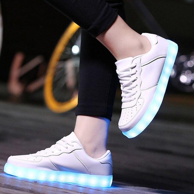 Женщины и Мужчины Светодиодные Обувь легкую Обувь Повседневная Glow СВЕТОДИОДНЫЕ Светящиеся Обувь Женщина свет Lumineuse USB Корзина Femme Chaussure унисекс