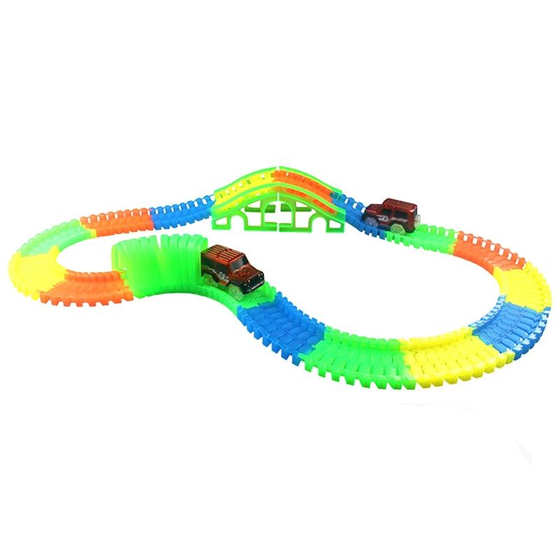 Bricolage brillant voiture de course Twister piste LED clignotant lumière suivi Rail Flexible modifiable chemin de fer dans le noir pour les enfants jouets