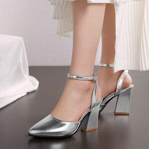 Image 3 - 2020 nowych kobiet pompy grube obcasy panie wesele buty złote srebrne buty letnia klamra kostki pasek obuwie rozmiar 34 43 f532