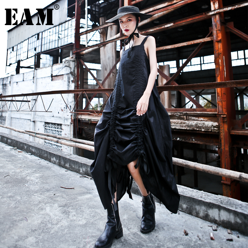 EAM 2019 New Spring Summer Spaghetti Strap Sleeveless Black Drawstring Irregular Temperament Dress Women Fashion