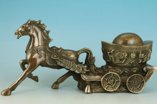 Lucky Chinese Old Bronze Carved Collect Hand Horse Gold Ingot Coin StatueLucky Chinese Old Bronze Carved Collect Hand Horse Gold Ingot Coin Statue