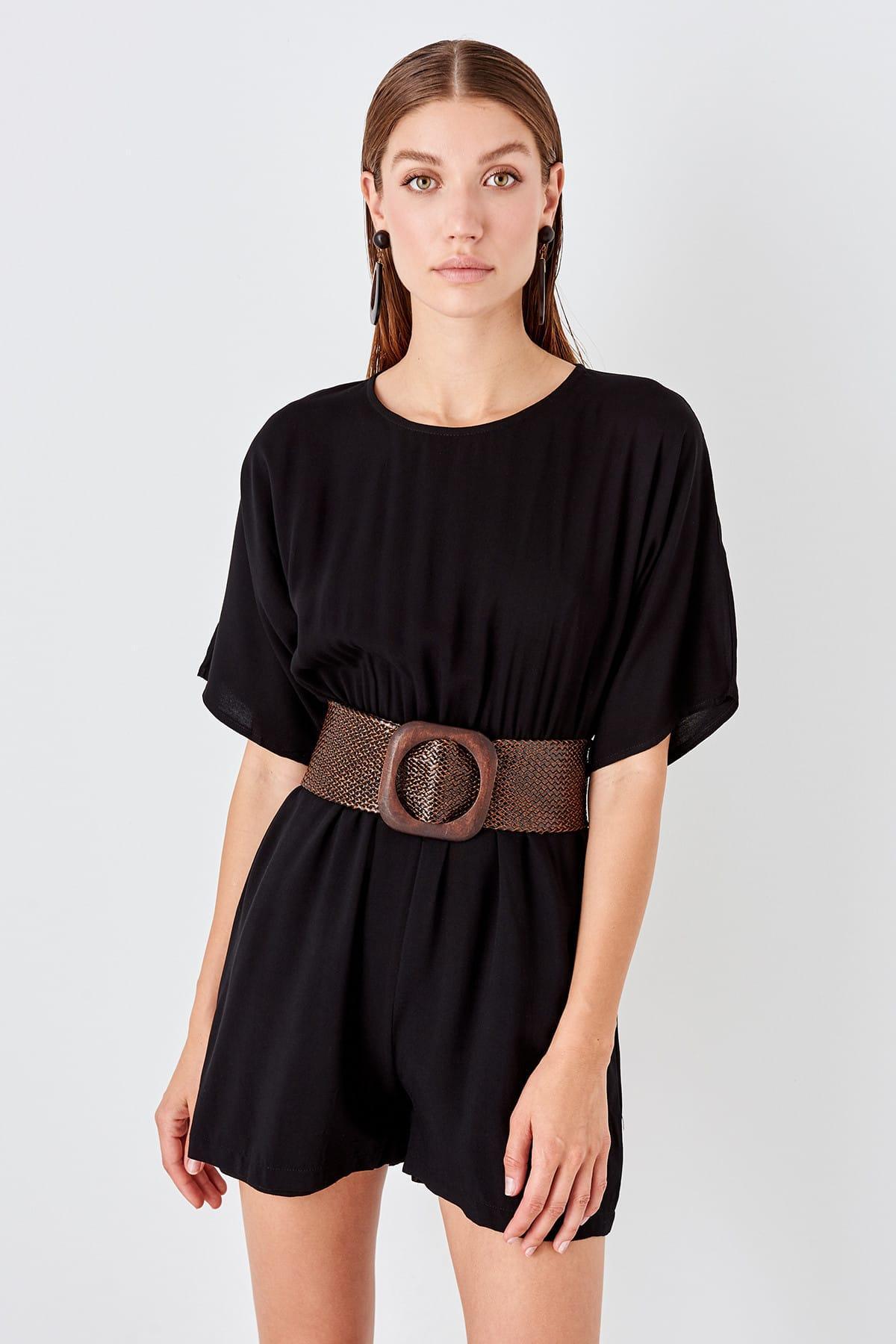 Trendyol Black Back Low-Cut Jumpsuit TWOSS19TU0022