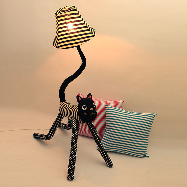 Fabric Star who meow floor lamp floor lamp living room bedroom creative cute bedside shipping