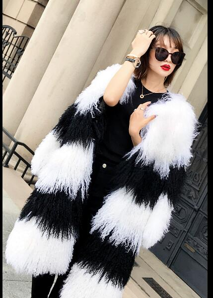 Vente chaude Élégant Chaud De Mode Noir Blanc patchwork À Long agneau de Mongolie fourrure manteaux manteaux de fourrure Naturelle vestes