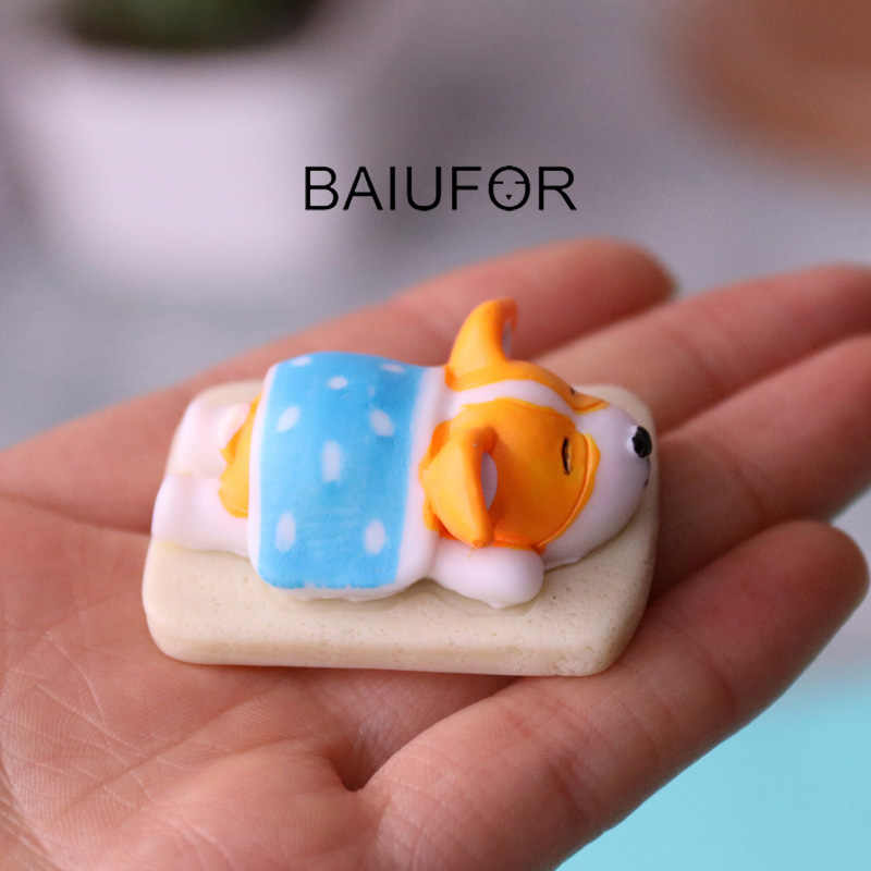BAIUFOR Miniatures Cartoon Corgi Cute Dog Series 5 Terrarium Figurines Fairy Garden Miniature Succulents Mini Landscape Decor