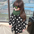 2016 nuevo otoño y el invierno bebé capa de la muchacha de manga larga largo estilo de ropa para niños de lunares abrigo de lana niños chaquetas para niñas