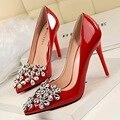 Nueva Elegante Bombea Talones Finos zapatos de Boda Rhinestone de La Flor de Charol Señaló Zapatos de Tacones Altos Zapatos de Diamantes de Las Mujeres G2586-19