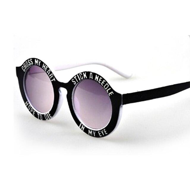 c125e838b7 Gafas de Sol para niños Carta Diseño de Marca Marco Redondo Retro Gafas de  Verano Niños