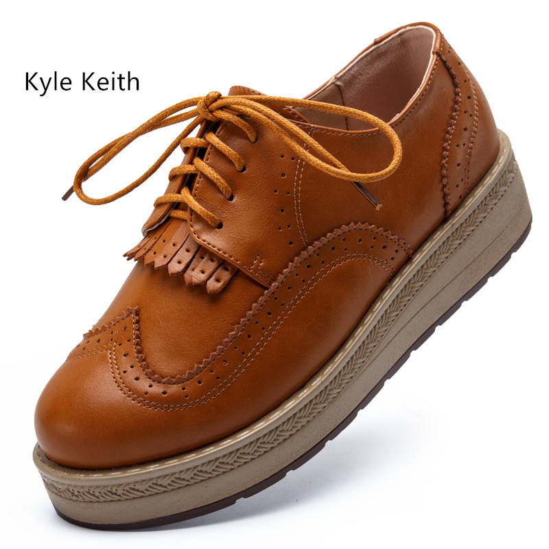 Kyle Keith New Women's Fashion Flats Women Platform Oxfords Brogue Leather Flat Shoes Women Shoes Spring Summer Shoes qmn women crystal embellished natural suede brogue shoes women square toe platform oxfords shoes woman genuine leather flats
