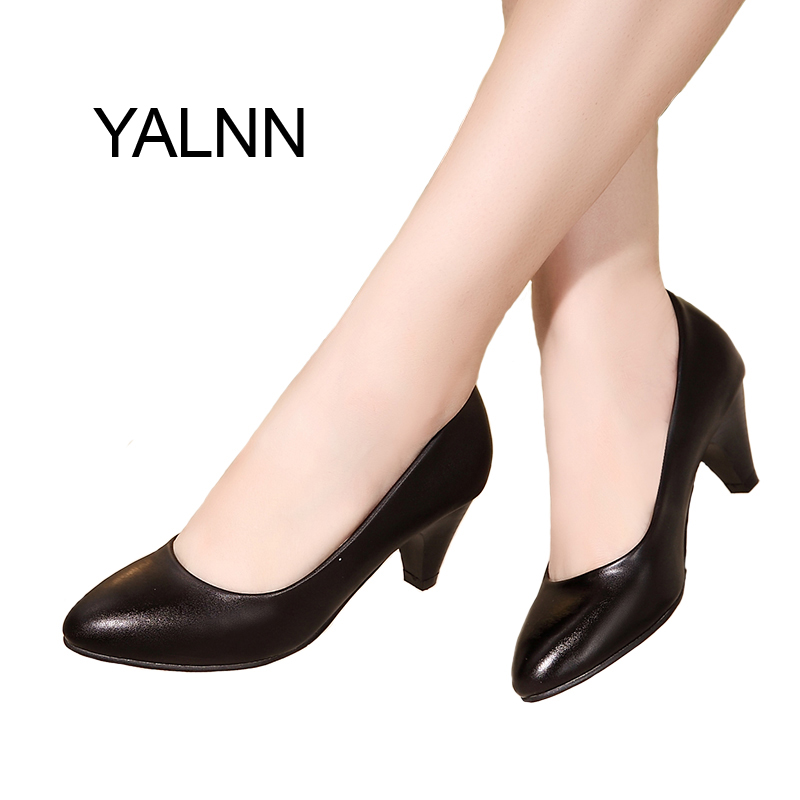 YALNN Women Concise Shoes Black Pumps Office Lady Shoes 5cm New Med Heel Pumps Pointed Toe Classic Black Leather Shoes Сникеры