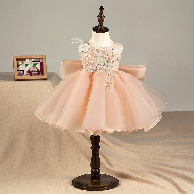 2019 New Kids Girl Bow Birthday Party Prom Ball Gown Children Lace Appliques Princess Dress Baby Girl Pearls Mesh Vestido Q6052019 New Kids Girl Bow Birthday Party Prom Ball Gown Children Lace Appliques Princess Dress Baby Girl Pearls Mesh Vestido Q605