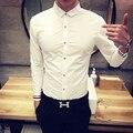 De los nuevos hombres ocasionales Adelgazan las camisas puños hechizo color blanco hombres de la camisa de Los Hombres de Moda trajes de negocios de color sólido camisa de manga larga