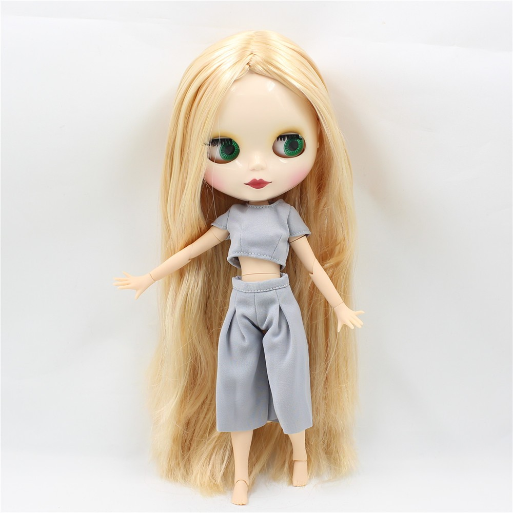 Neo Blythe Doll with Blonde Hair, White Skin, Shiny Face & Jointed Body 7