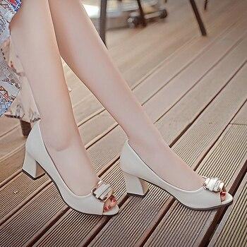 aa55a16355d9 2019 zapatos de mujer de primavera y verano de satén de seda coreana  zapatillas de corbata de moño ...