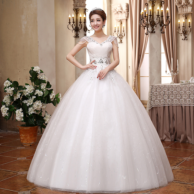 Exquisite Laciness Neckline Backless Wedding Dress Beading Crystal ...