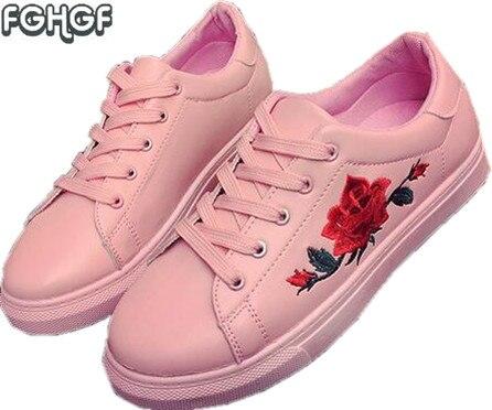 bc4229f26 Mulheres Sapatos Bordados Mulher Mocassins Branco Bonito Lolita Sapatos  Casuais Alpercatas Zapatillas Mujer Tenis feminino Tufli