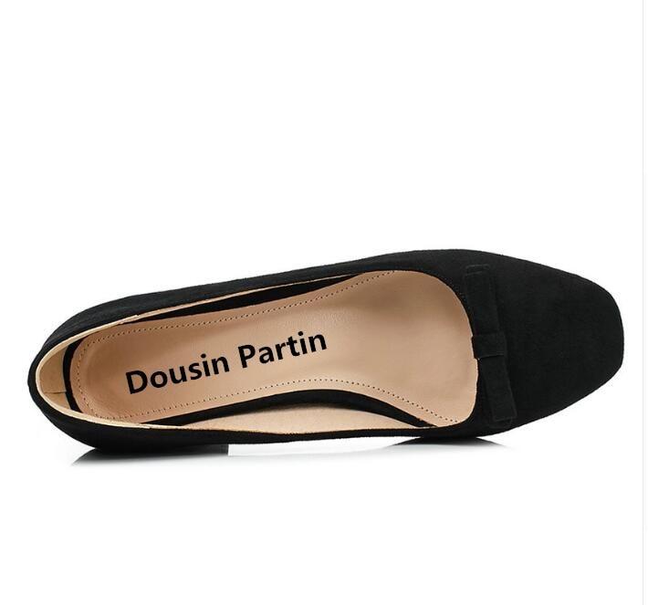 Ayakk.'ten Kadın Pompaları'de Dousin partin 2018 Moda Kadın Pompaları Kalın yüksek Topuklu Kadın ayakkabı Yuvarlak Ayak Kadın düğün ayakkabı papyon Zapatos Mujer'da  Grup 3