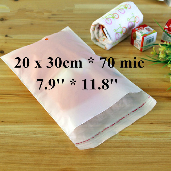 Free Shipping 300pcs/lot 20 x 30cm*70mic Self Adhensive Plastic Clothes Bag, High Quality White PE Clothing Bag with Punch Hole