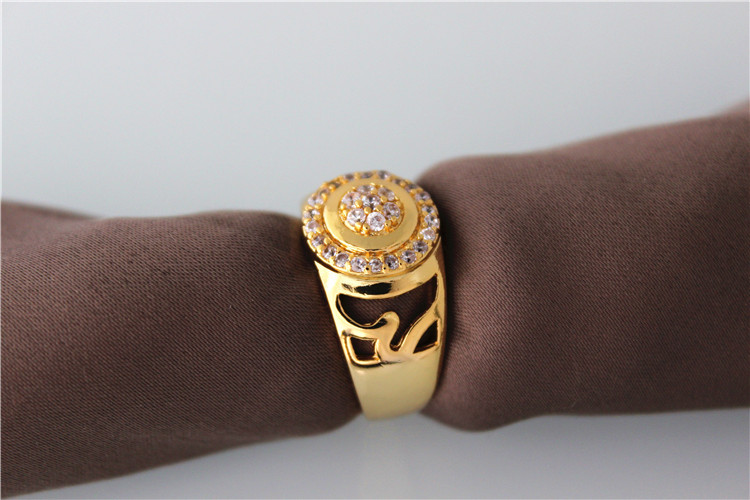 2018 New Bague Homme White Crystal Mens Rings Gold Color Vintage