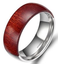 Hombres 8mm engagement wedding band anillo embutido de madera de caoba de madera del dedo anillos de ajuste cómodo medio titanium mitad madera moda joyería