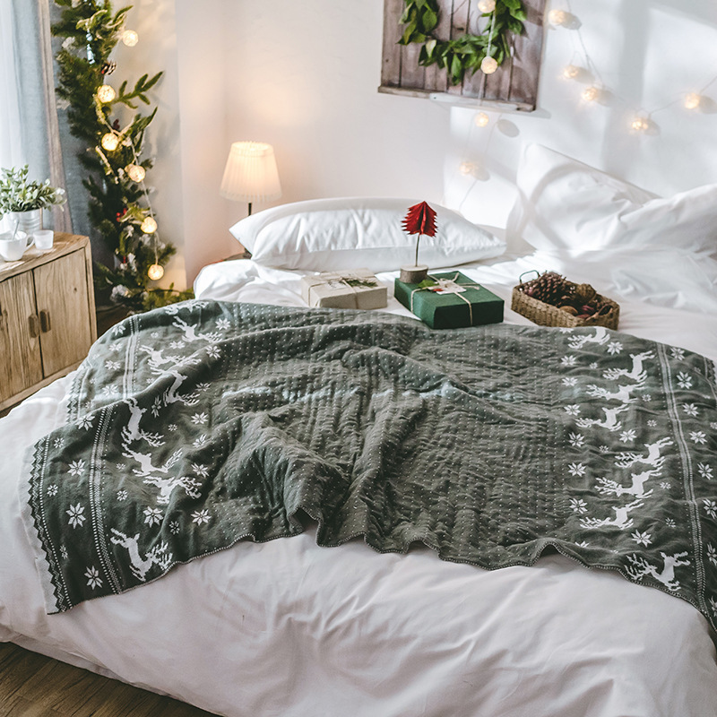 LYN&GY Christmas Elks Knit Blanket Red grey Acrylic snowflake Cover on Sofa Bed for Home Plaids Bedspreads New Year decoration