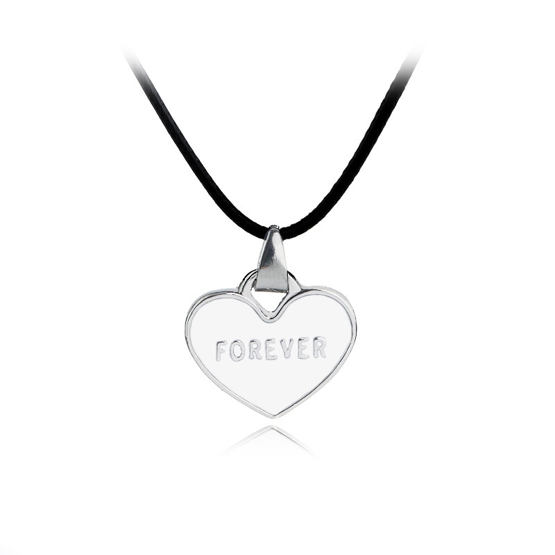 """""""I Love You Forever"""" Black And White Drop Oil Love 1 Set Necklace Couple Pendant Creative Necklace Wholesale Hot"""