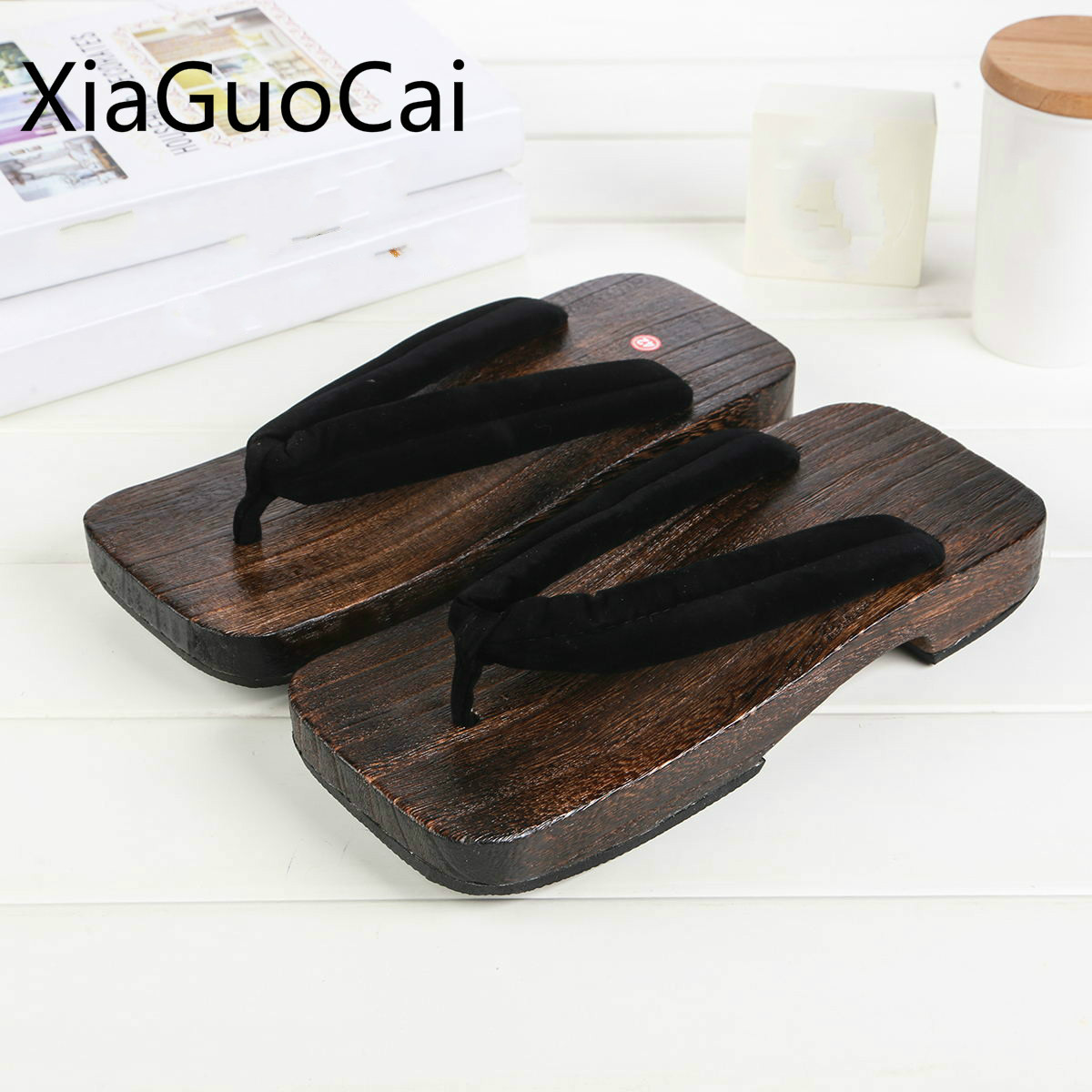 f125c38b5c84d Los hombres de la marca de moda Zapatillas de verano zuecos de madera de  estilo japonés